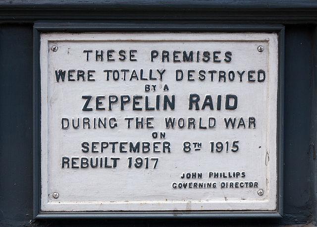 Plaque marking site of Zeppelin raid of September 8, 1915, on 61 Farringdon Road, London.