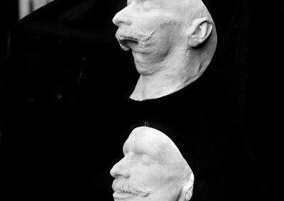 Plaster casts, in preparation of making masks for mutilated French soldiers. Mrs. Ladd's studio, American Red Cross